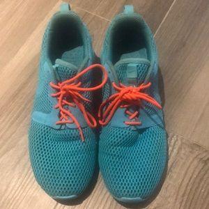 Nike Roshe sneakers!